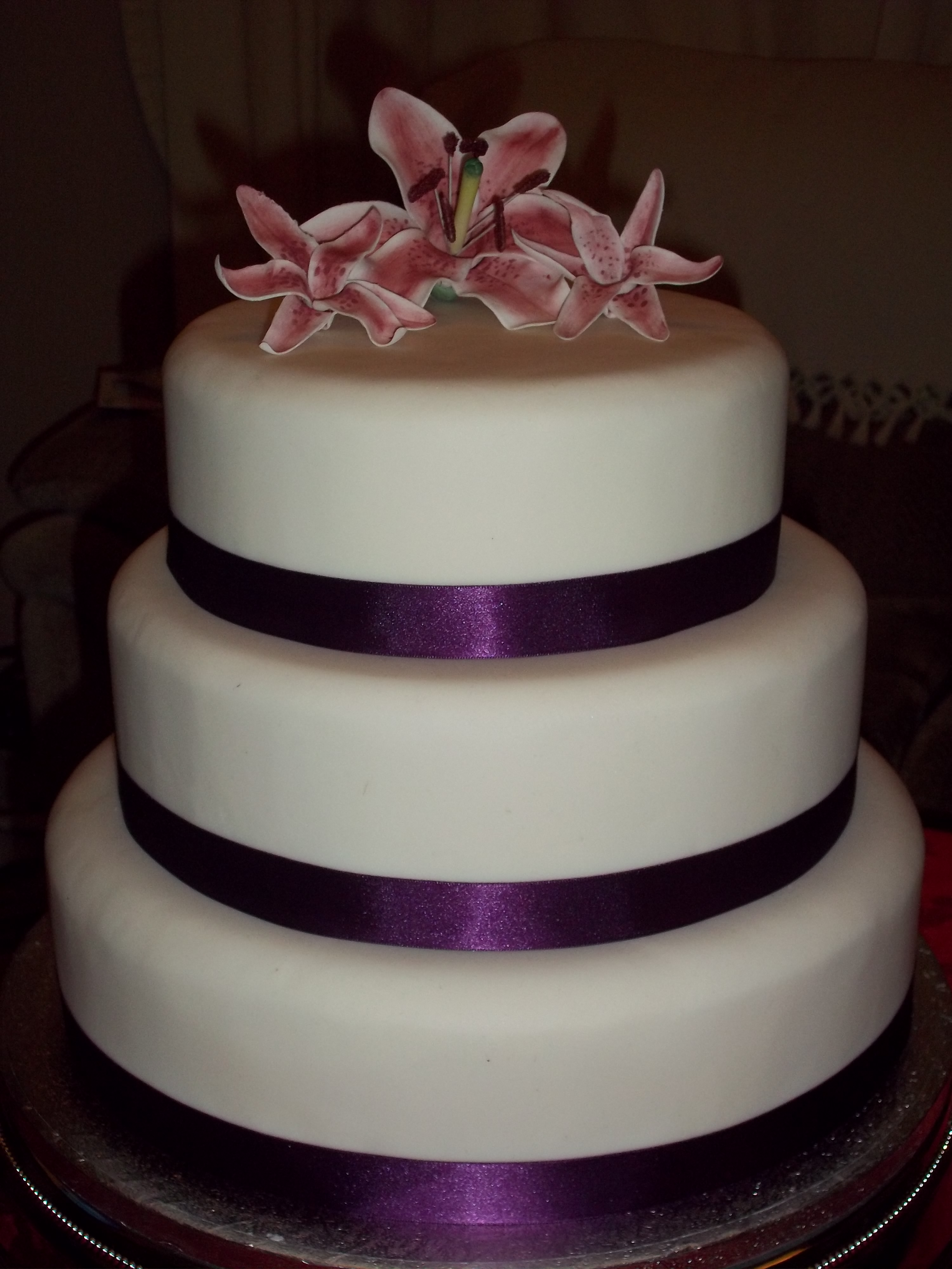 Lily Wedding Cake – Jan s Occasional Cakes