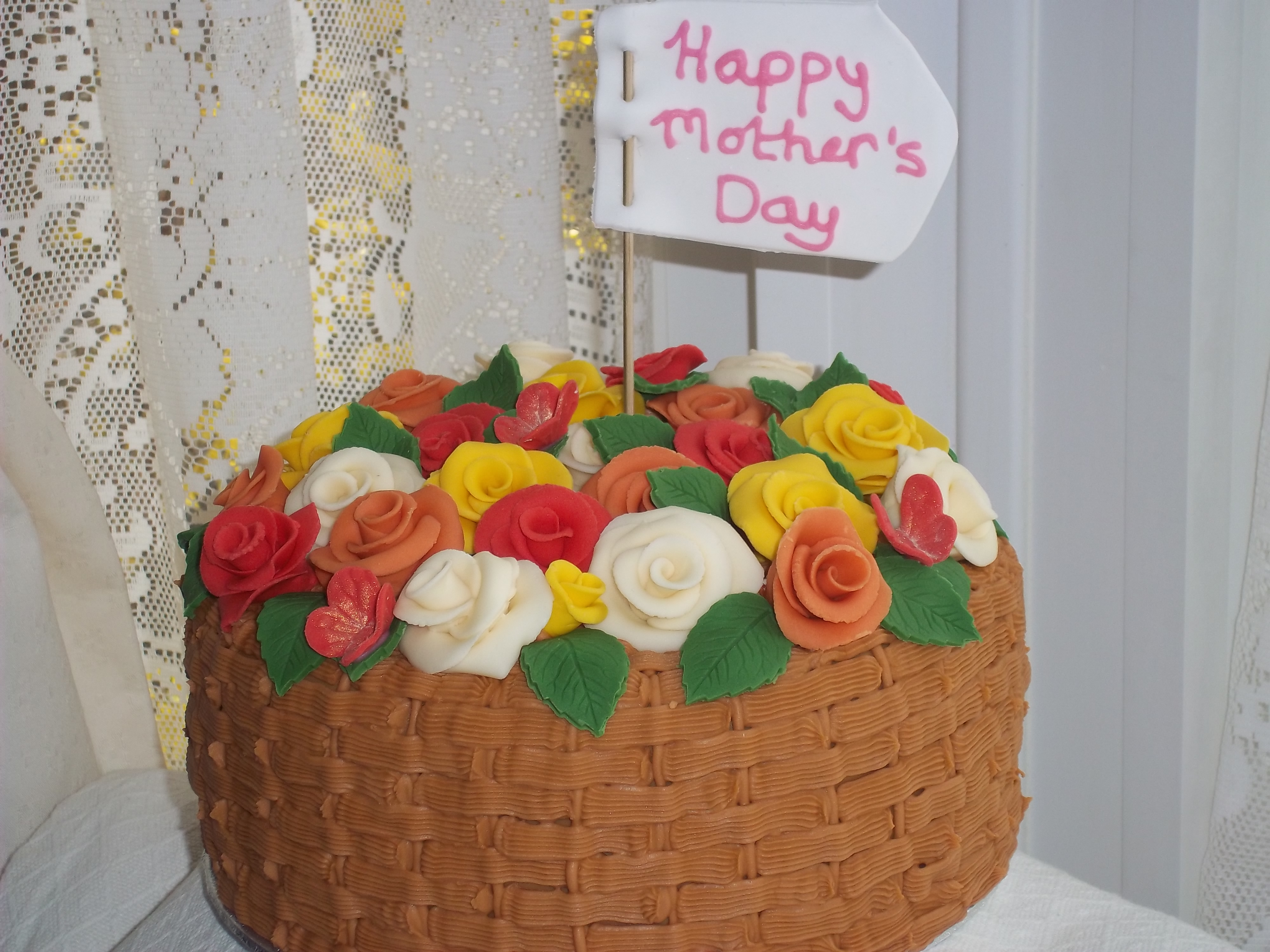 Flower Basket Mothers Day Cake : Mothers day basket of roses jan s occasional cakes