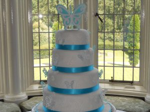 R&S wedding cake